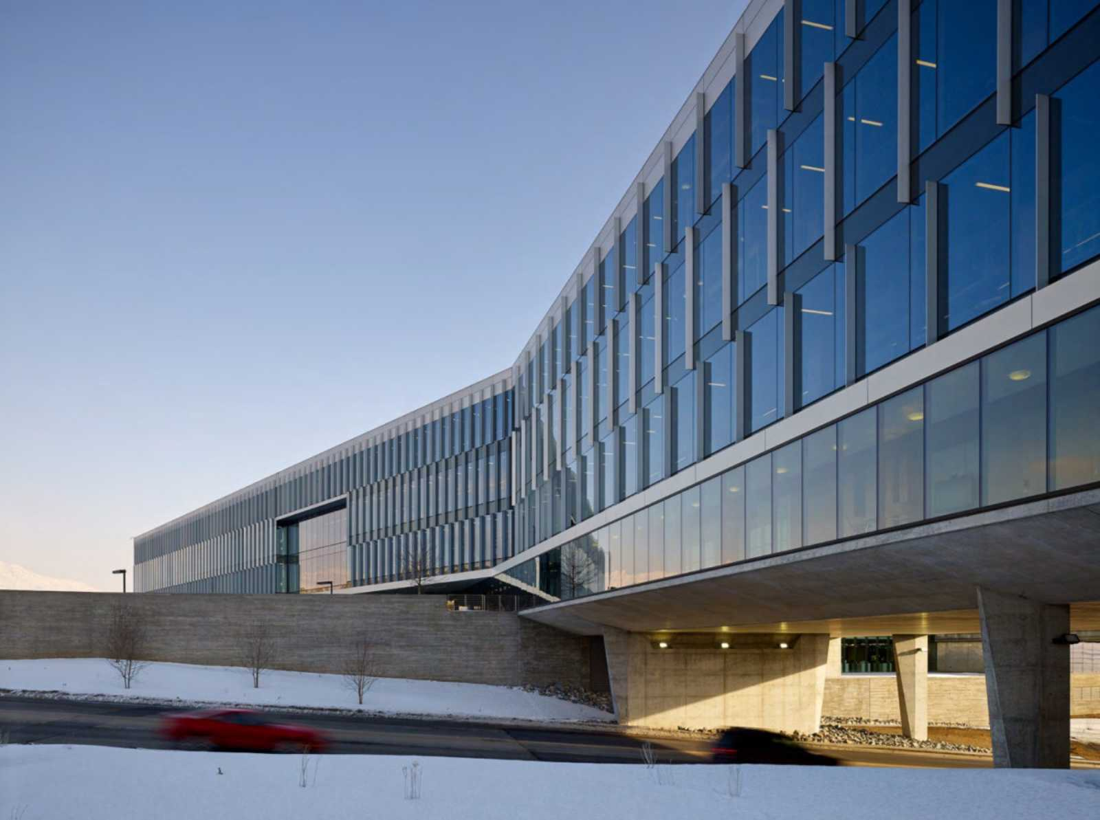 Adobe utah campus by wrns studio for Adobe house construction
