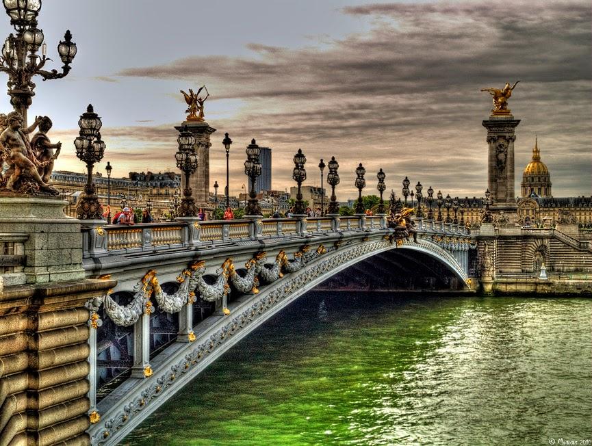Puente Alejandro III, Paris