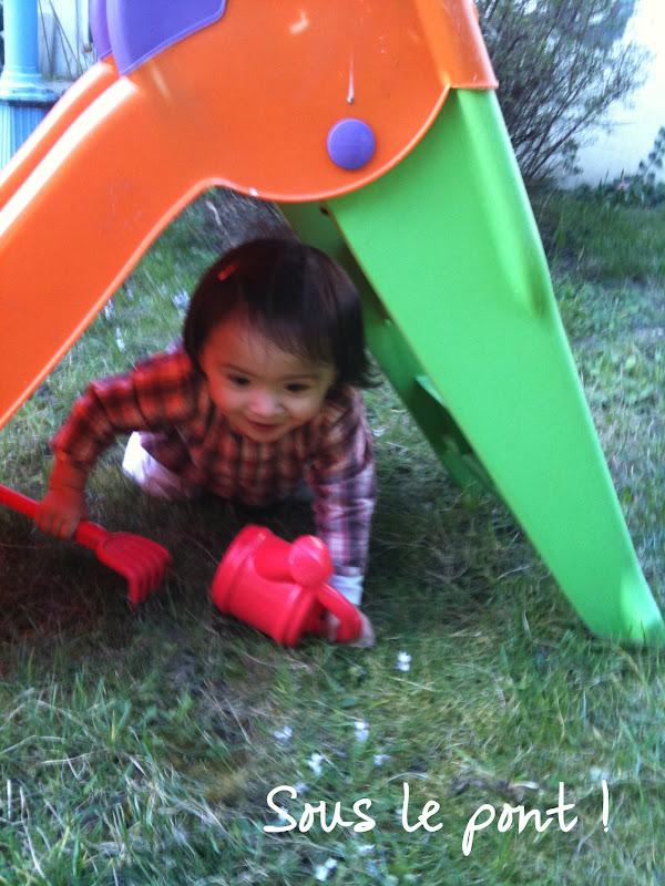 jouer dans le jardin