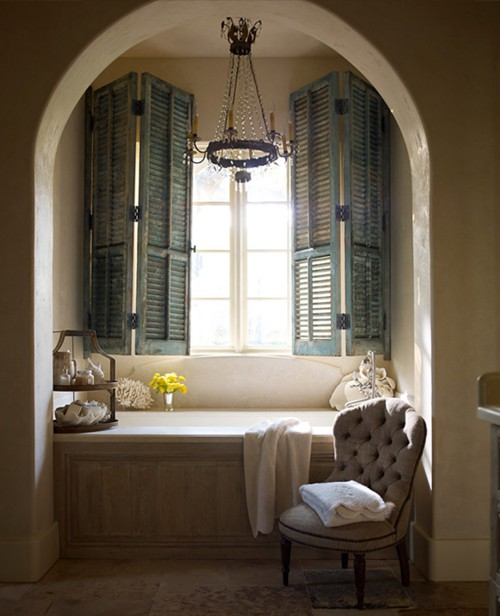 Chandelier Over Bathtub: How Do I Love Thee: Bathing Beauty