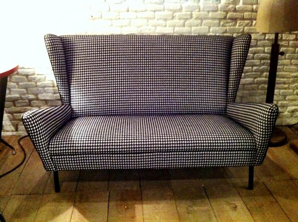 La tapicera sofa a os 50 tapizado con pata de gallo for Tapizado de sofas
