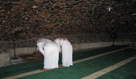 Masjid Bawah Tanah yang Menakjubkan