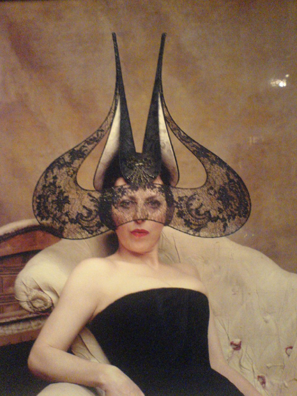 ... Threads: Royal Wedding Hat Inspiration. Style Icon: Isabella Blow Isabella Blow