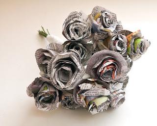 cara membuat kerajinan Seikat bunga dari koran bekas