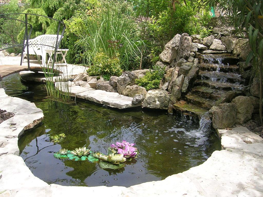 Arte y jardiner a haga que su jard n le sirva para algo m s - Fuente para jardin ...
