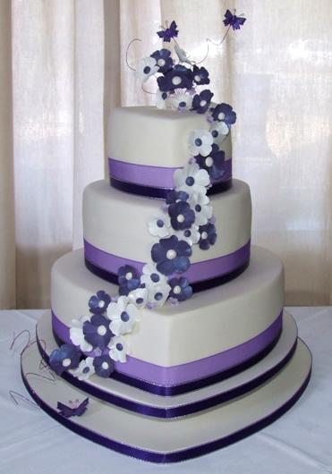 3 Tier Wedding Cakes 21 Lovely  Wedding Cake of