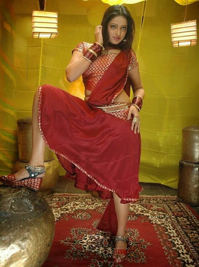 All About Tollywood Udaya Bhanu Hot Red Saree Images