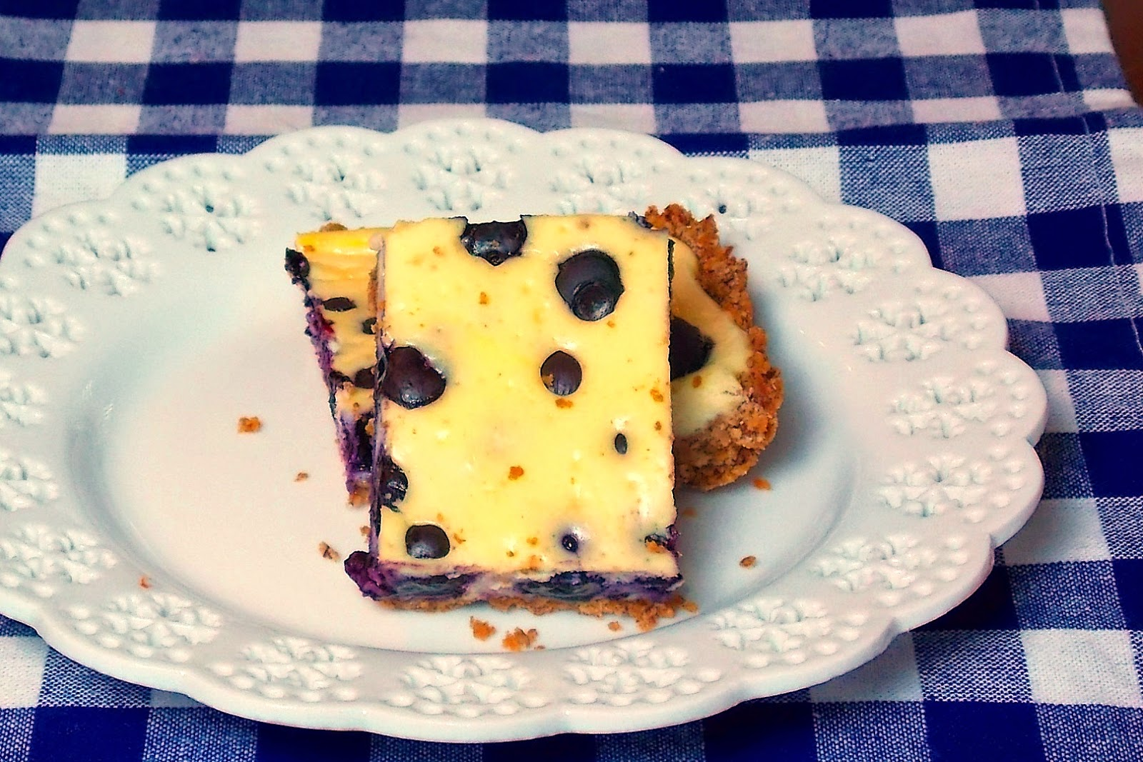 Low Carb Blueberry Cheesecake Bars #blueberry #cheesecake #lowcarb