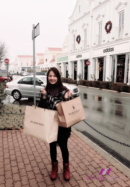 travel blogger visits austria parndorf designer outlet shopping