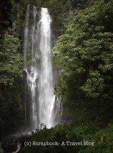 Hawaii Maui Hana Highway waterfalls Wailua Falls