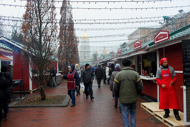 Владимирский переулок в канун Нового года