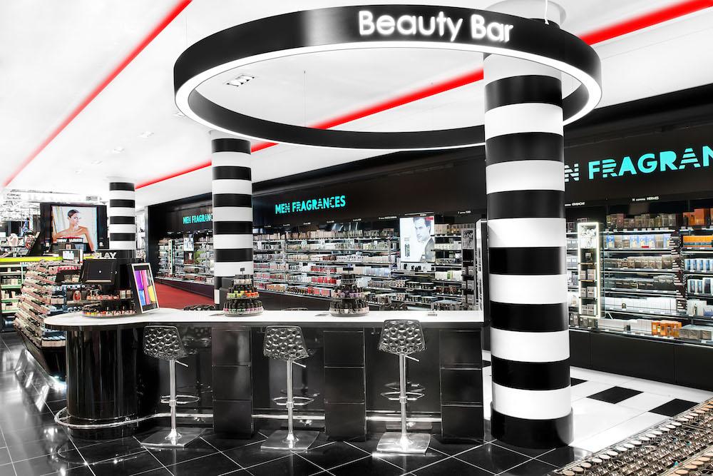 le sephora champs elys es fait peau neuve et propose d sormais ses beauty services. Black Bedroom Furniture Sets. Home Design Ideas