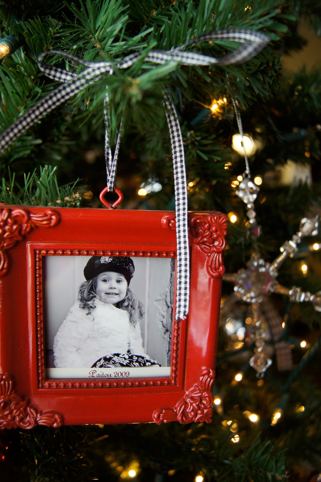 Christmas tree picture frame ornaments - Monday December 12 2011