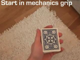 trik move kartu scissor cut