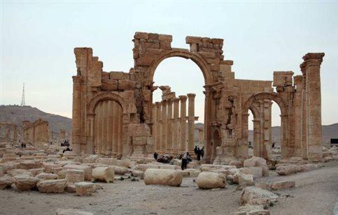 Με δορυφόρους θα παρακολουθεί η UNESCO τα μνημεία που απειλεί το ISIS
