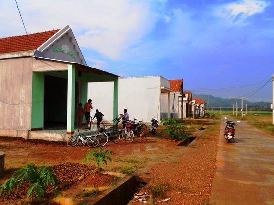 Tập trung hỗ trợ người dân đến các điểm tái định cư