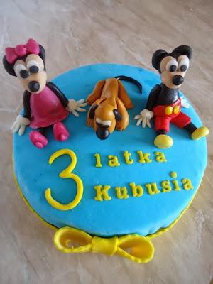 Tort z masą cukrową na urodziny