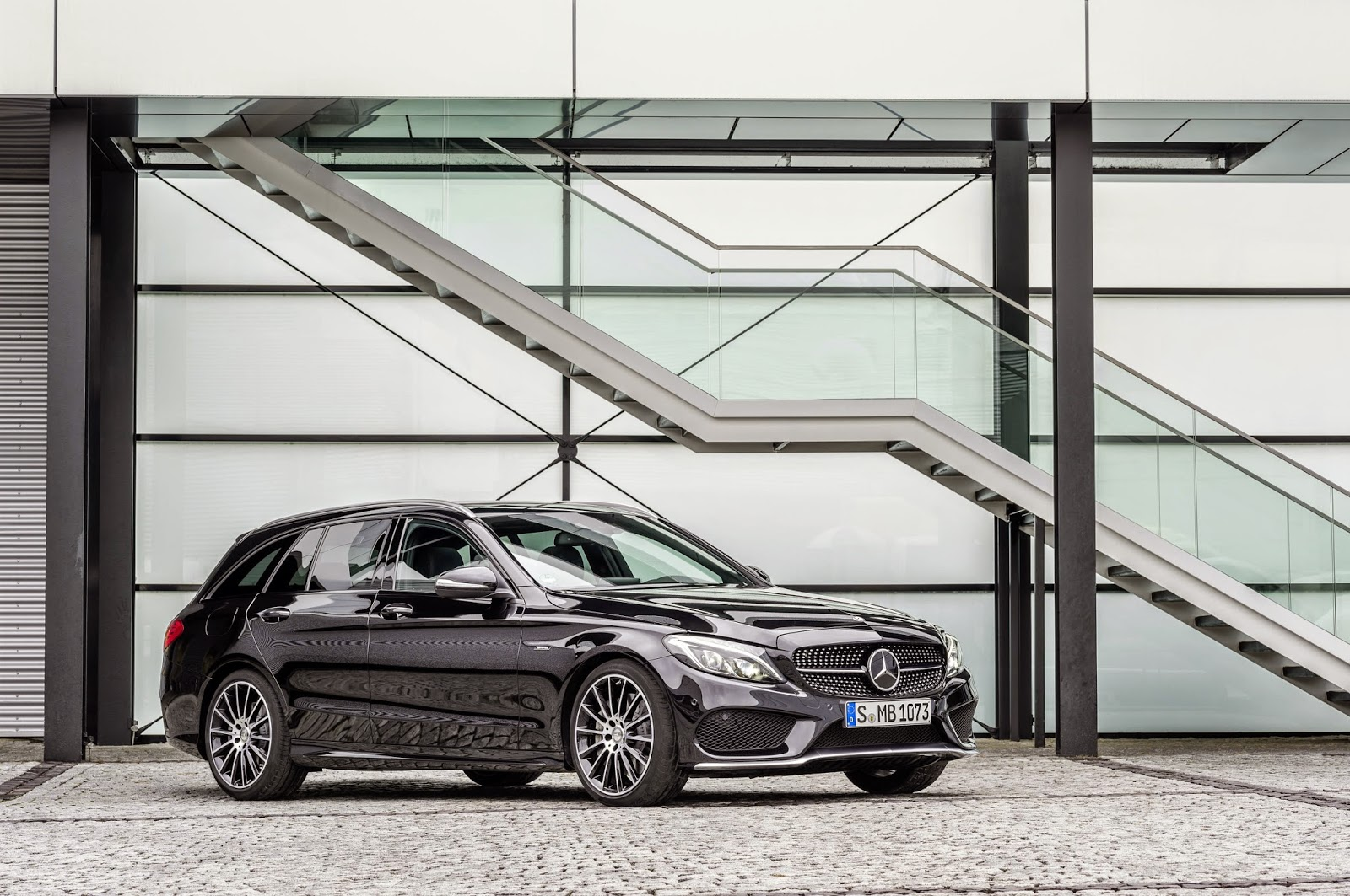 Mercedes Benz C450 AMG front angle