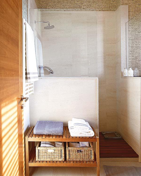 Rinnoviamo la zona doccia - Doccia con finestra dentro ...