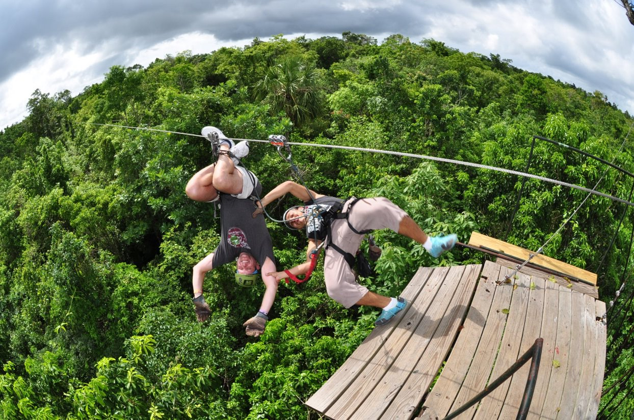 zip_line_in_cancun_selvatica