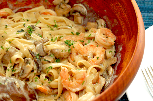 Internet Ninja: Creamy Shrimp and Mushroom Pasta