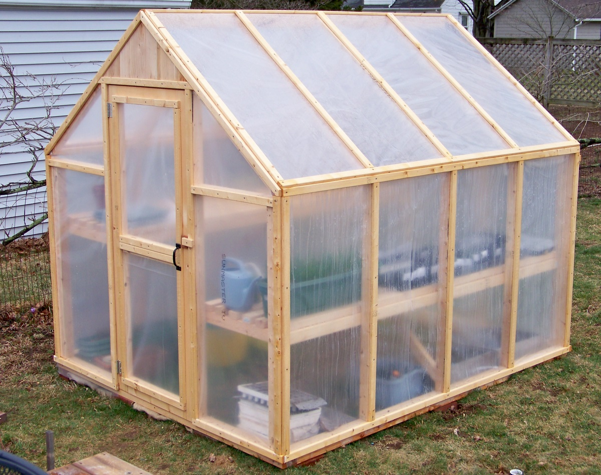 How to construct a greenhouse using free supplies ideas for How to make house green