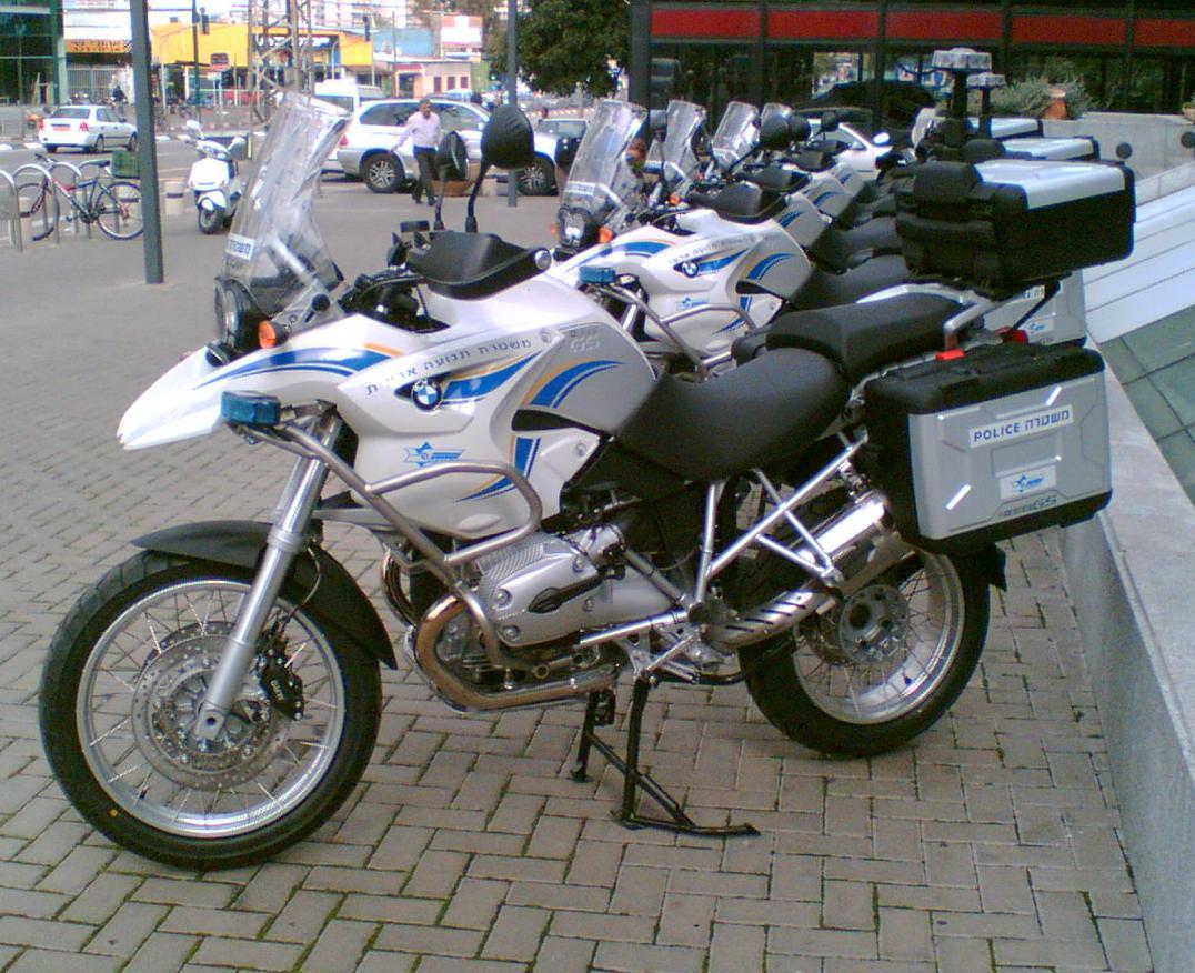 http://1.bp.blogspot.com/-ET-jemFv2aA/ThHujDwA9QI/AAAAAAAAAI0/e3RRMNhFvrk/s1600/BMW_R1200GS_Israeli_Police.jpg