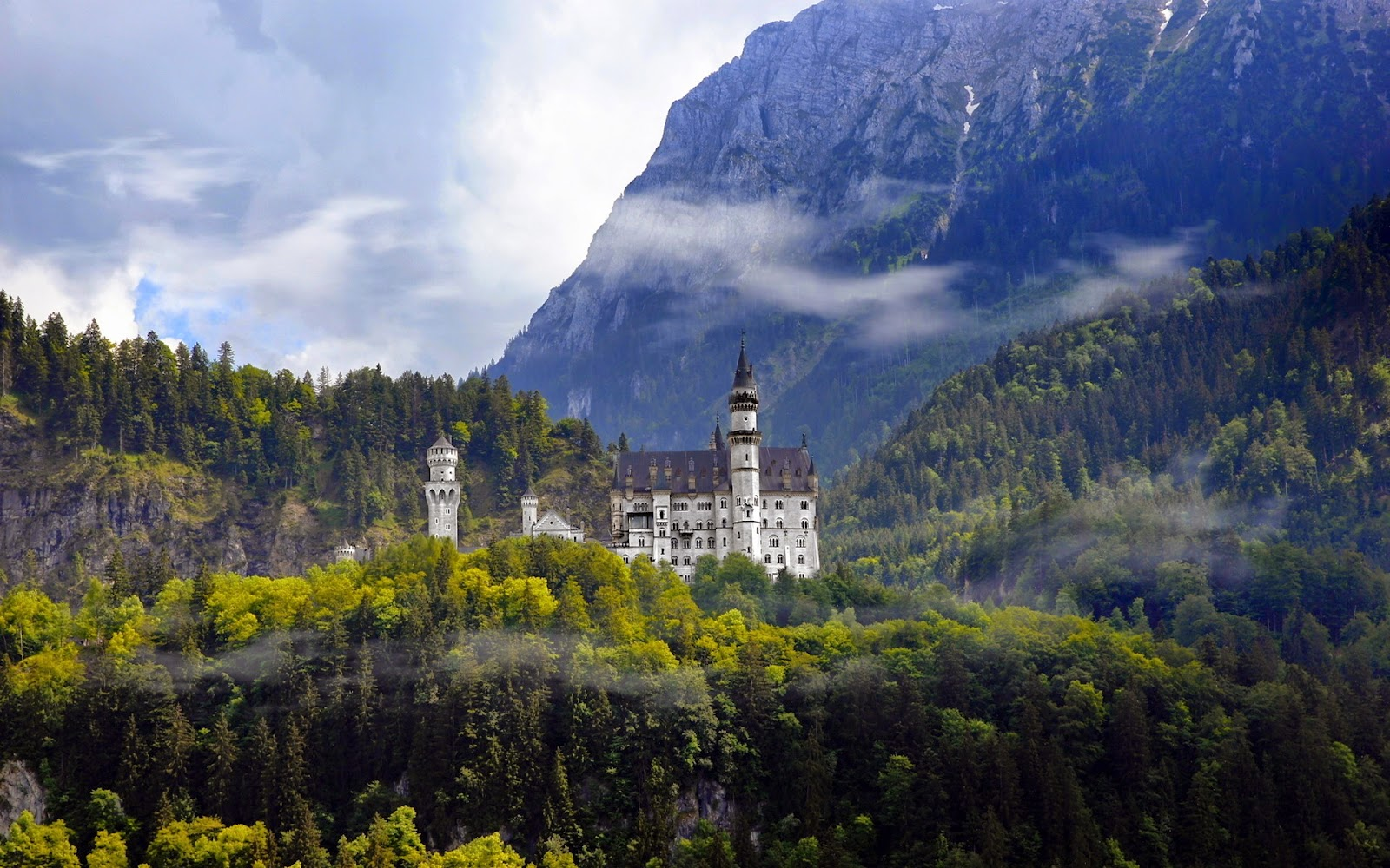 Neuschwanstein in Summer
