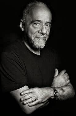 Paulo Coelho boicota copa do mundo no brasil, protestando contra Dilma e o PT.