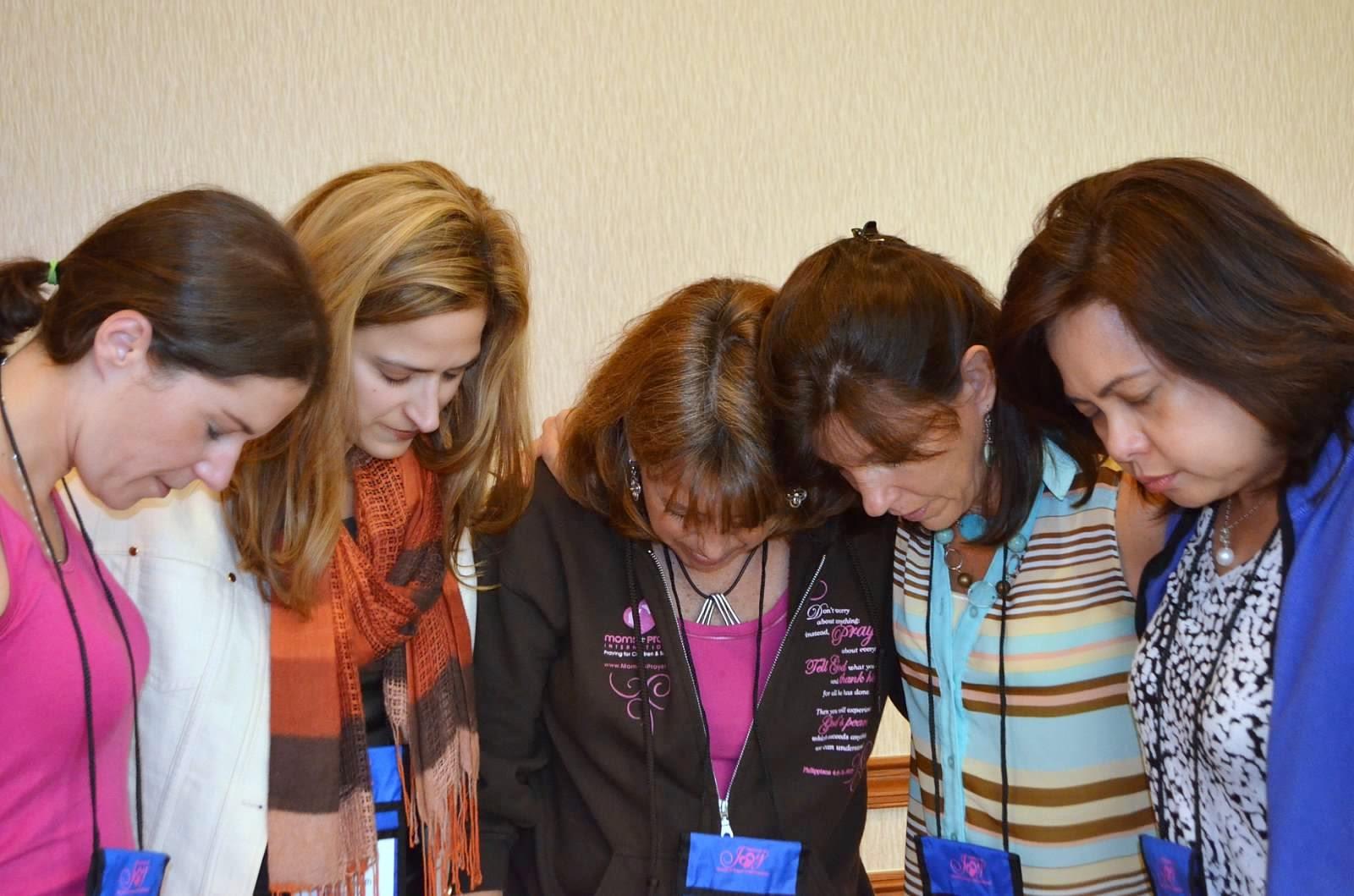 Group Of Christian Women Praying   www.pixshark.com ...