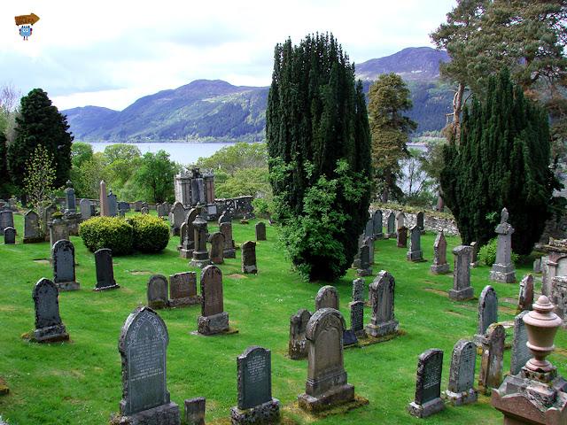Cementerio Foyers - Lago Ness