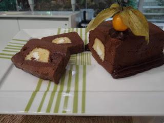 Gelado de bolo com chocolate
