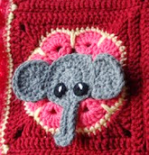 http://translate.google.es/translate?hl=es&sl=en&tl=es&u=http%3A%2F%2Ftwo-little-cs.blogspot.com.es%2F2013%2F04%2Felephant-square-free-pattern.html