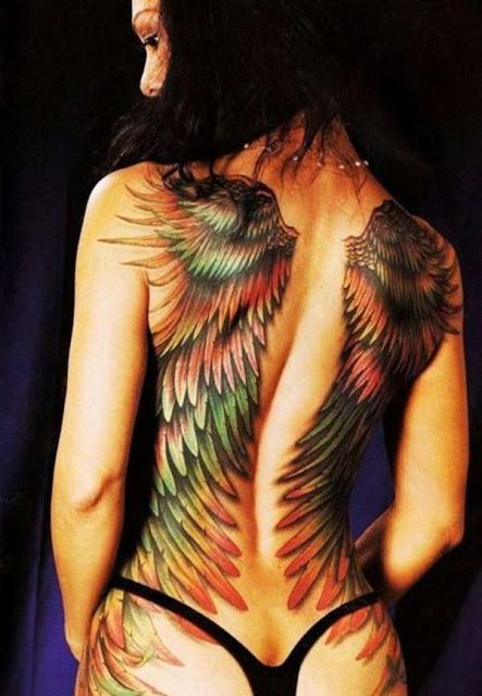 Tatuagens Femininas Asas nas Costas