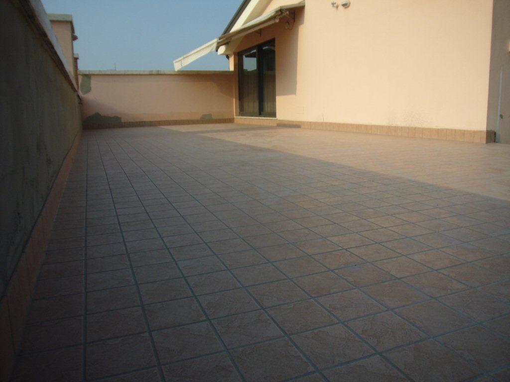 Rivestimento terrazza gabbatore mattia - Piastrelle rosa ...