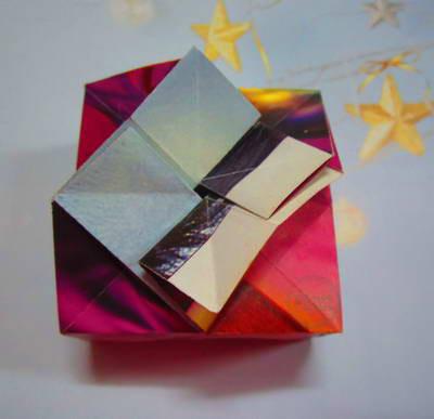 วิธีพับกล่องกระดาษน่ารักมีฝา  พับโอริกามิ โอริงามิ 紙箱の花蓋を折る方法 kung paano i-fold ang talukap ng mata ng bulaklak ng kahon ng papel comment plier le couvercle fleur de papier boîte