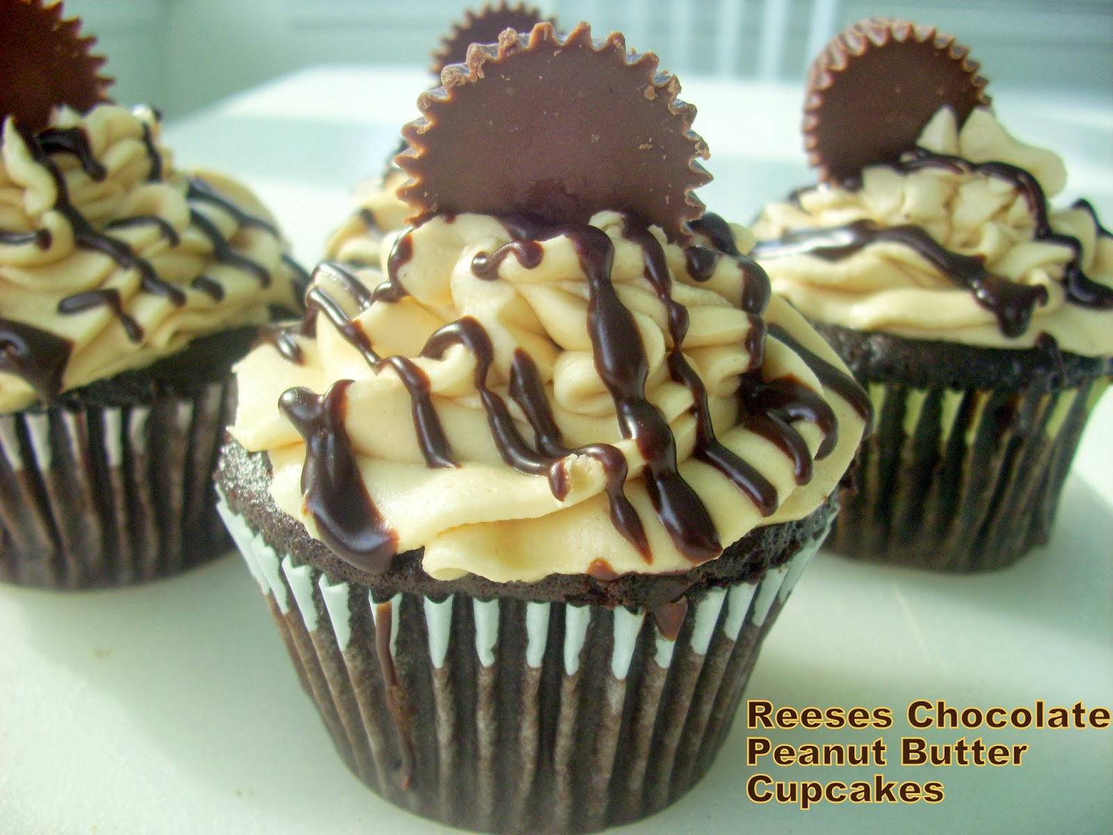 Flavors by Four: Reese's Chocolate Peanut Butter Cupcakes