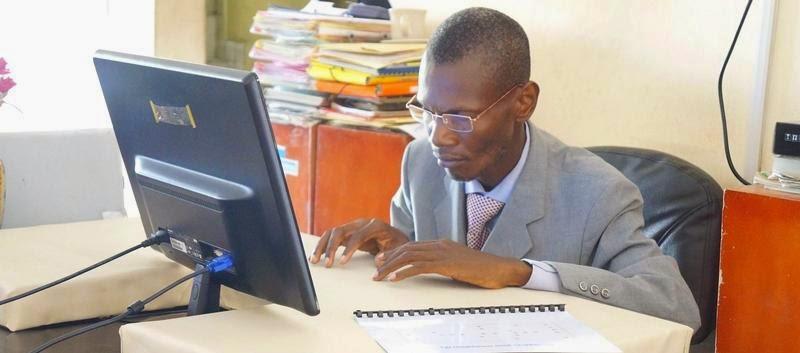La r gionale relais didier yapi inventeur ivoirien il cr e un clavier et - Inventeur de l ordinateur ...