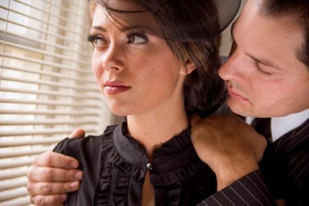 كيف تسامح حبيبك وتغفر له اخطائه - رجل يصالح امرأة - يتوسل يعتذر -begging man apologizing to woman