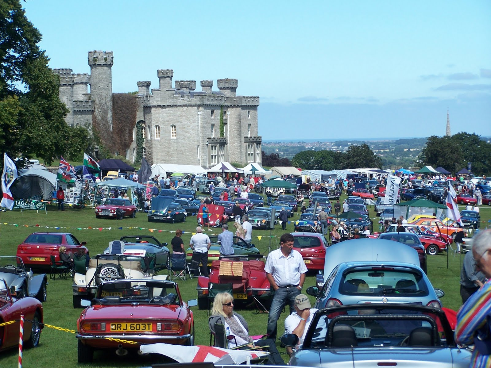 The Petrol Stop North Wales Classic Car Show Bodelwyddan Castle Rhyl - When is the car show