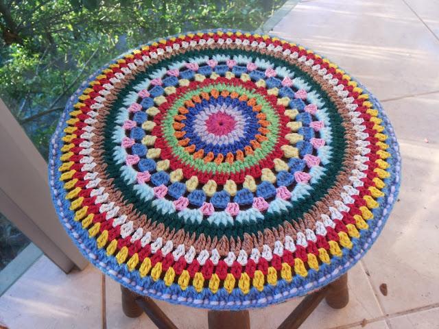 capas de crochê para banquinhos Belle Artes