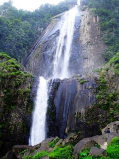 7 Air Terjun Tertinggi di Indonesia