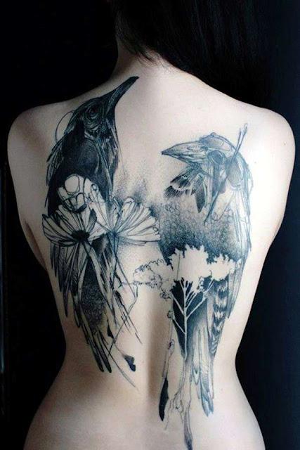 Tatuagens Femininas Corvo nas Costas