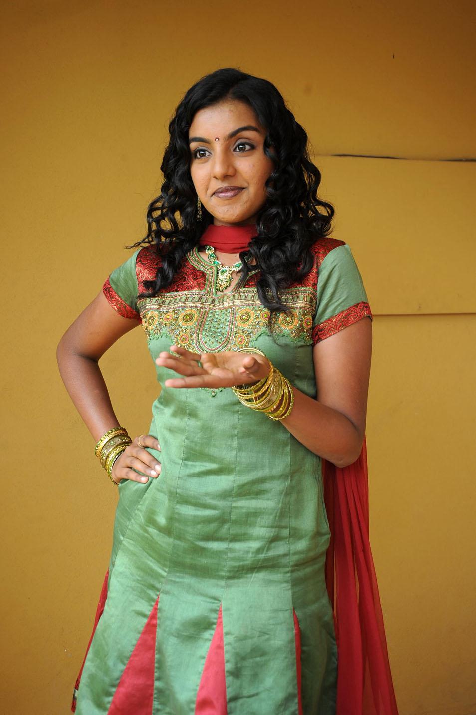 , Telugu Actress Divya Latest Photo Gallery