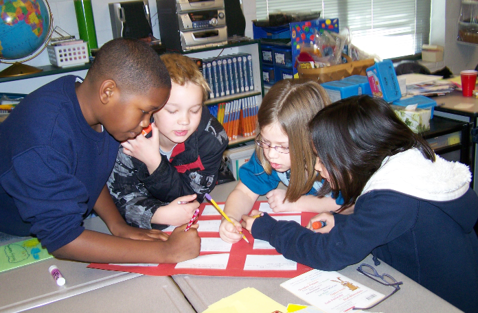 Collaborative Learning Classroom Activities : Corkboard connections tips for grading cooperative