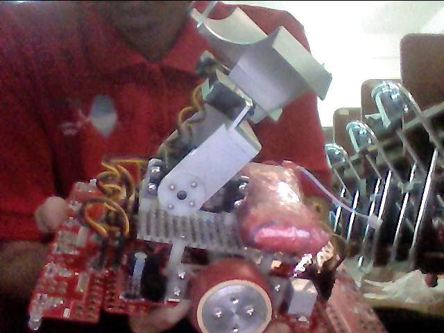 robot linetracer arox upgrade arm pengakat barang