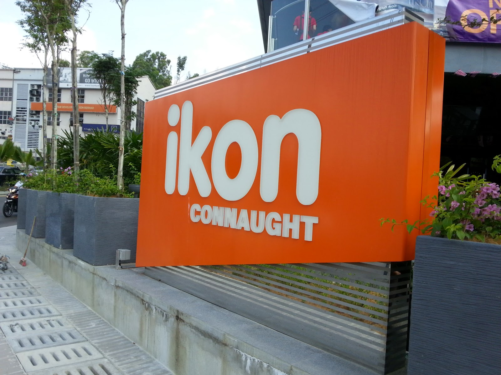 Ikon connaught
