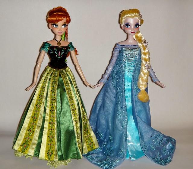 Boneka anna dan elsa frozen untuk anak