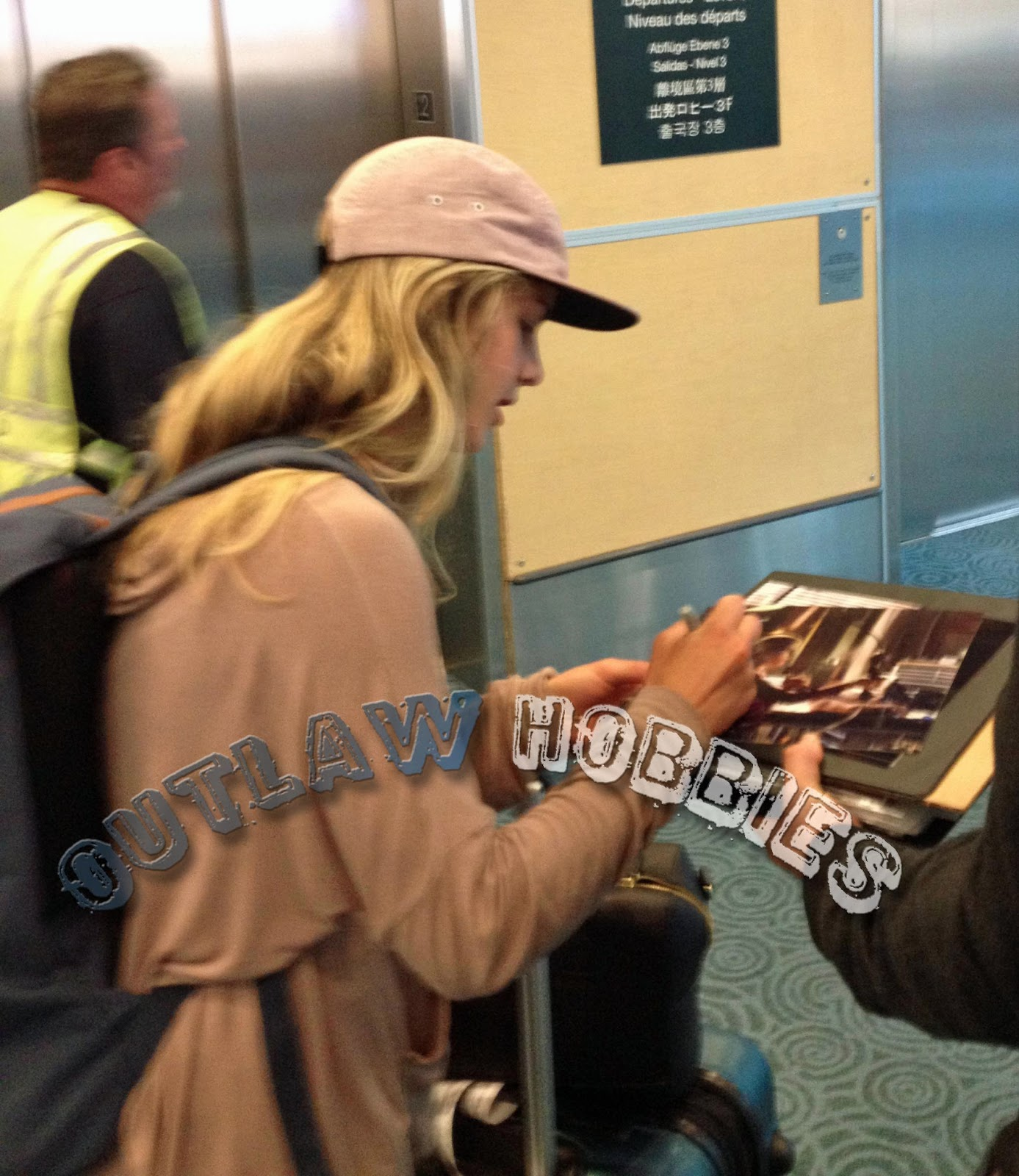 Emily Bett Rickards Boyfriend Emily bett rickards at yvr