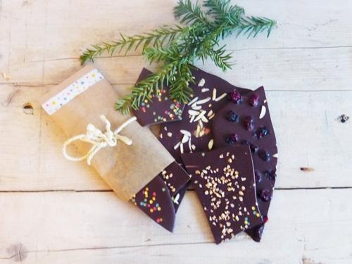 Rezept Schokolade veredelt mit Mandeln und Cranberries